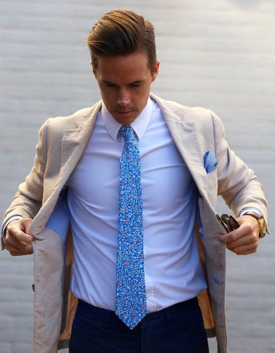 Krawatte richtig aufbewahren